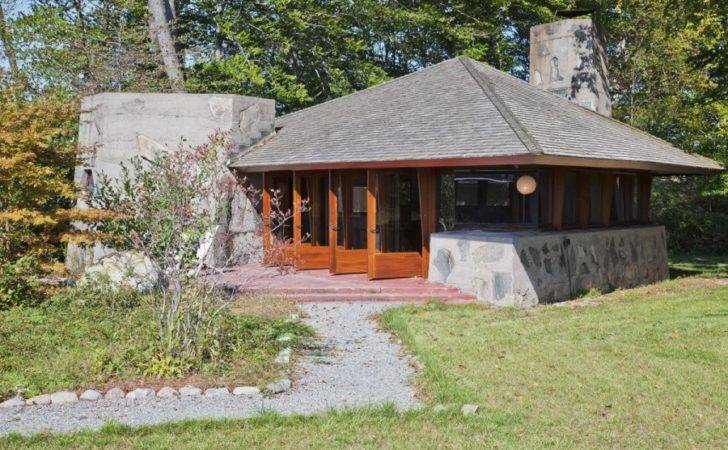 Modern Lake Guest House Interior Design Ideas