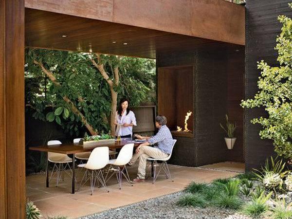 Modern Outdoor Dining Room