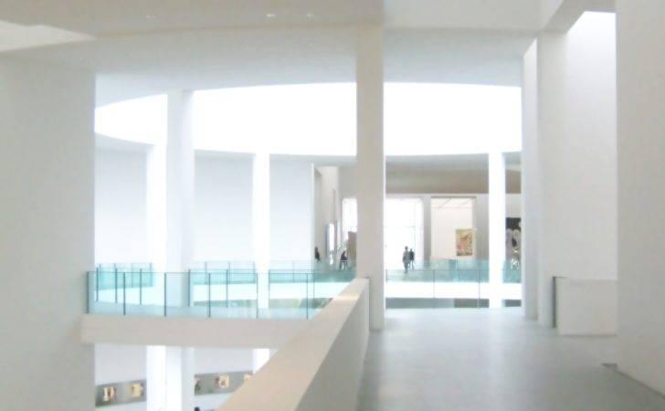 Modern Pinakothek Bright White Black