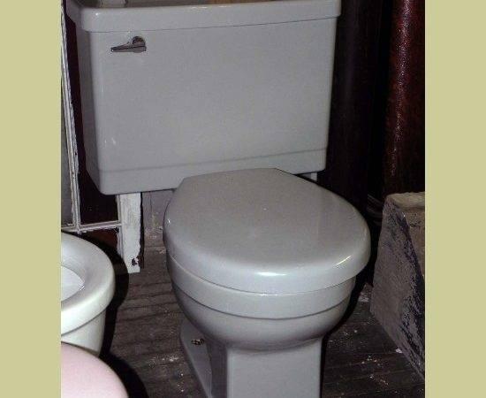 Modern Retro Vintage Large Capacity Tank Drexel Piece Toilet