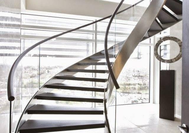 Modern Spiral Staircase Elegant Design Glass
