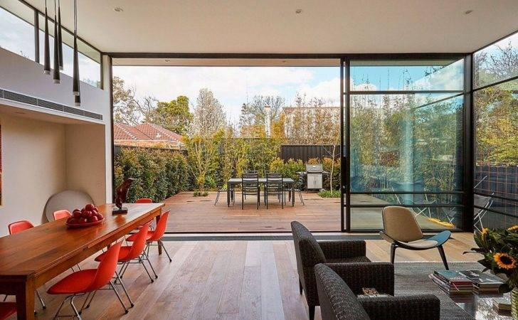 Modest Backyard Adds Airy Appeal Living Space