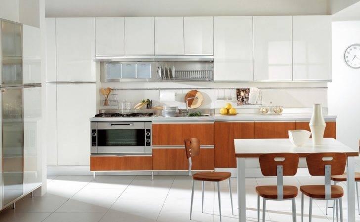More Modern Italian Kitchens