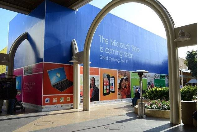 New Microsoft Store Palo Alto Overshadows Neighbouring Apple