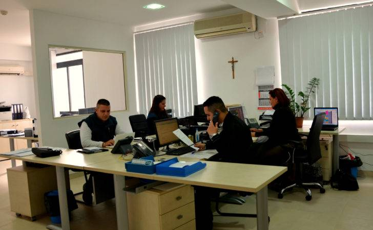 Office Staff Found New Set Bigger Working Environment