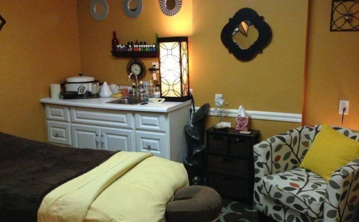 Omaha United States Massage Therapy Room Essentials