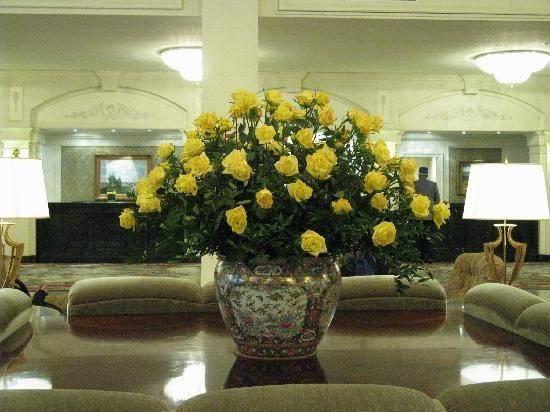 Omni Shoreham Hotel Lobby Flowers