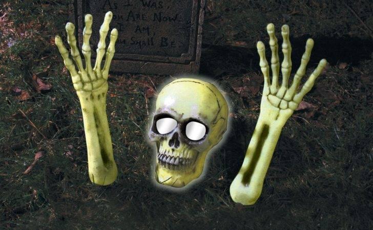 Out Grave Lightup Skeleton Decoration