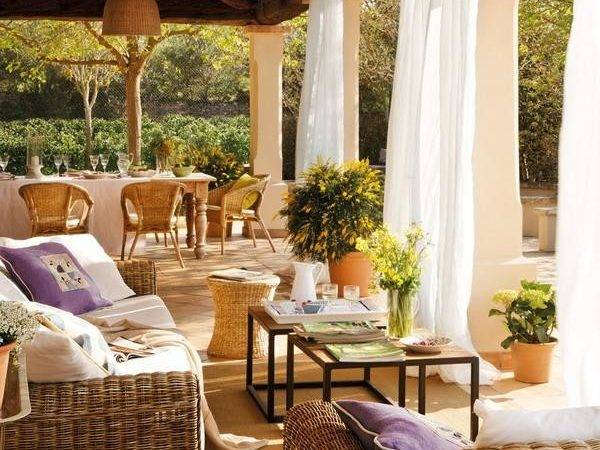 Outdoor Furniture Colorful Pillows Coffee Table Decorating
