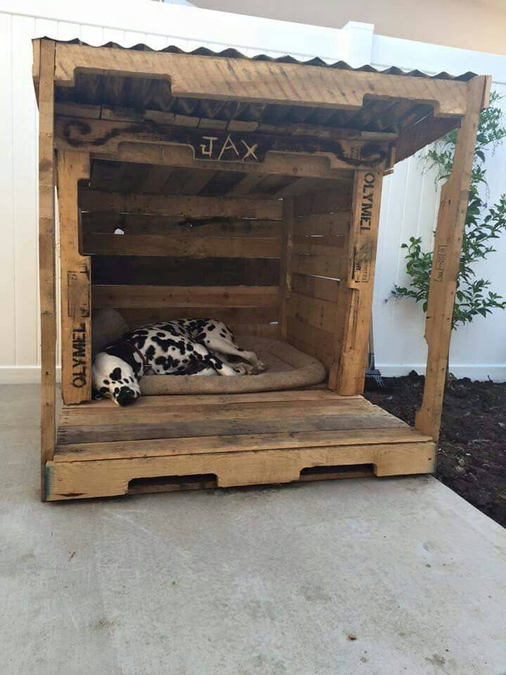 Pallet Dog House Pinterest Yard Houses Bed