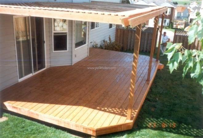Pallet Garden Deck Floor Ideas