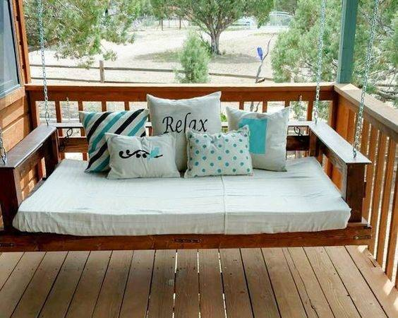 Pallet Swinging Bed Swing Beds Swings Outdoor Diy