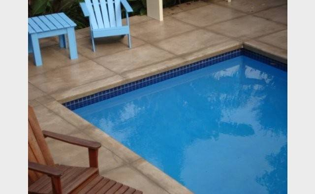 Peter Fell Coloured Concrete Continuous Pool Edging