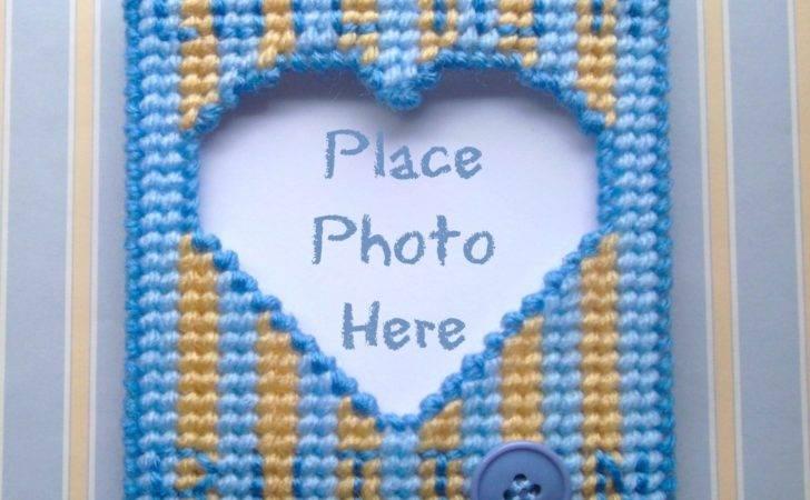 Plastic Canvas Cute Button Frame Magnet