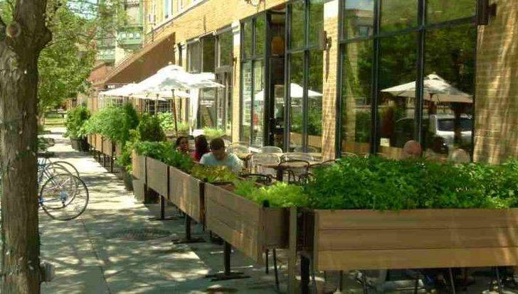 Pop Out Diningon Outdoor Restaurant Patio Fencing