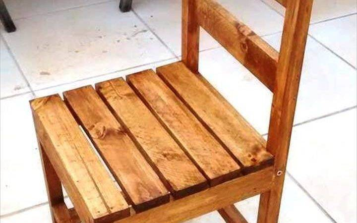 Precious Wooden Arm Less Chair Beautifully Done Using Single Pallet