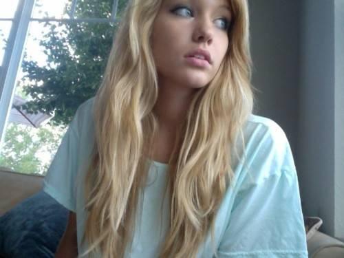 Pretty Blonde Girl Hair
