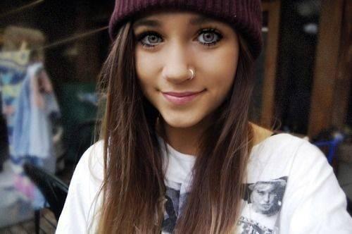 Pretty Tumblr Girls Girl Brown Hair Hazel Eyes Get