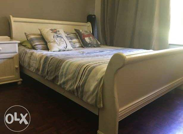 Queen Sleigh Bed Pedestals Sale Berario Olx