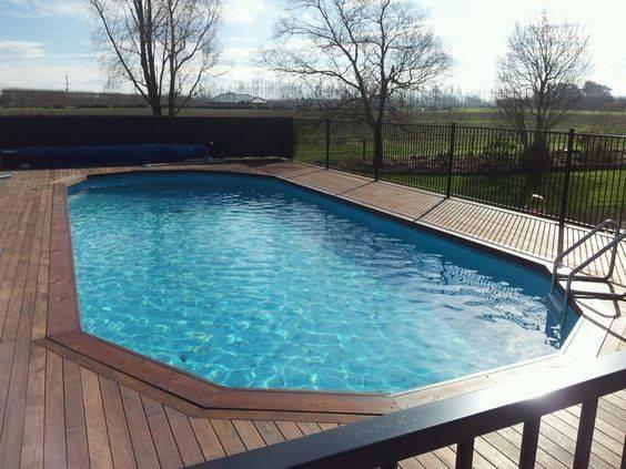 Railings Pools Shades Ground Sun Umbrellas Above Pool