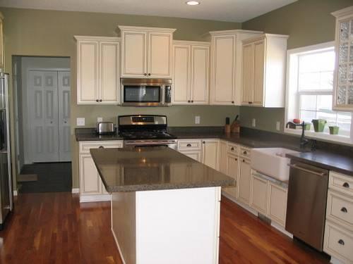 Real Homes Sage Green Kitchen Ellen Kennon Edgewood