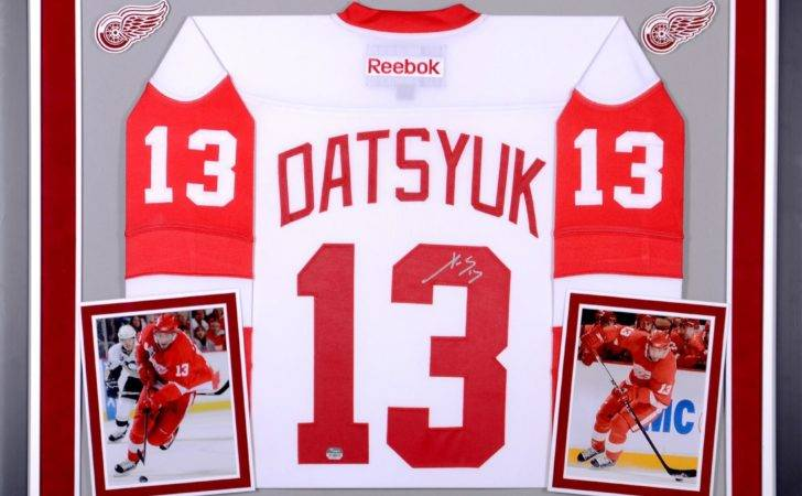 Red Wings Autographed Deluxe Framed Reebok Premier White Jersey