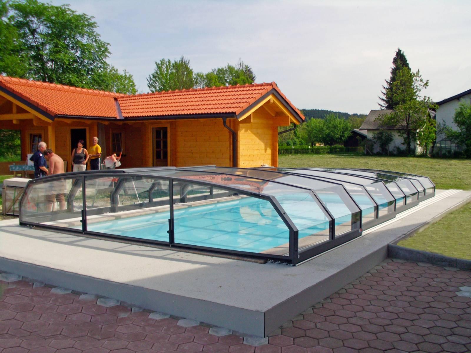 Retractable Swimming Pool Enclosure