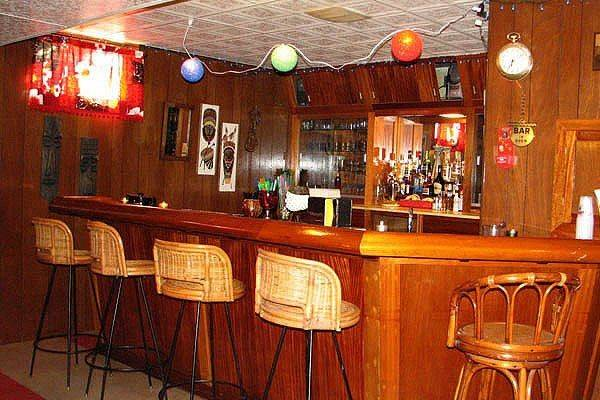 Retro Basement Ideas Sandy Bottom Magnificent Bar