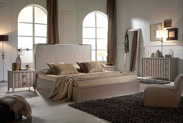 Reviewed Item Vienna High Bedroom Collection