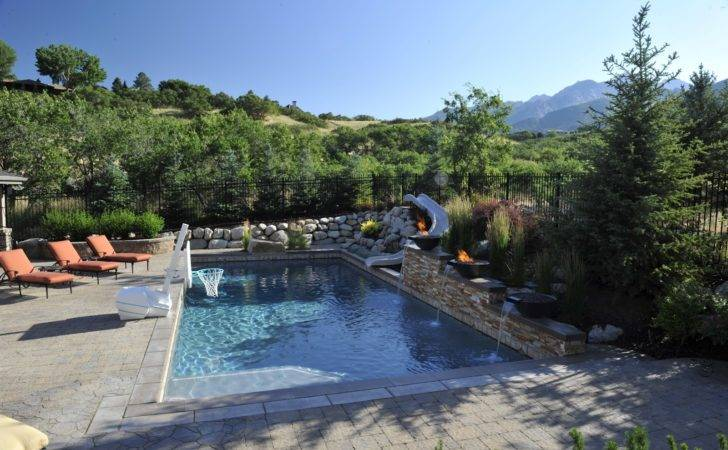 Rich People Nature Swimming Pool Design Rock Wall Decor