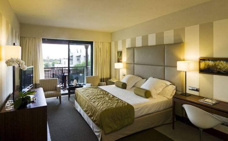 Rompido Hotel Bedroom