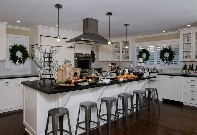 Rustic Luxe Holiday Traditional Kitchen Sacramento Kerrie