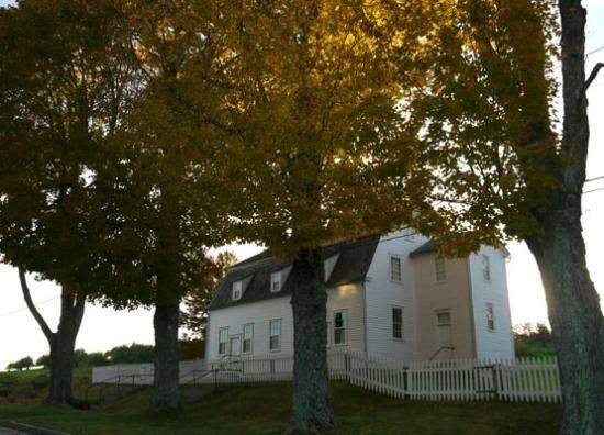 Sabbathday Lake Shaker Village New Gloucester Hours Address