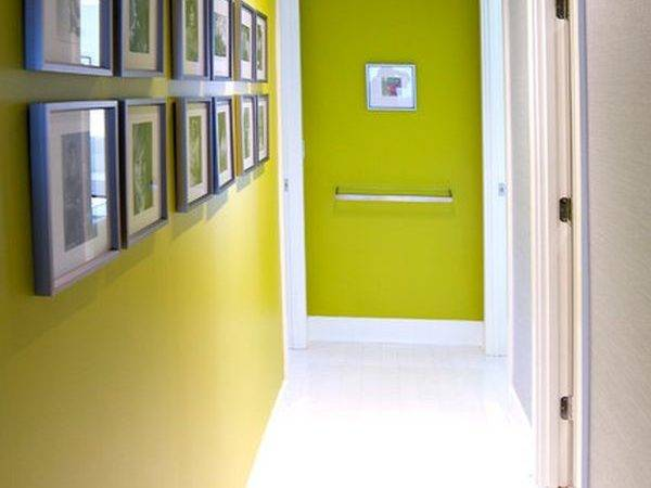Seen Hallway Its Matching Evenly Spaced Frames