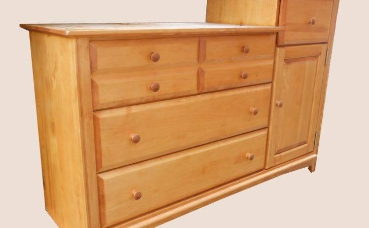 Shaker Style Level Dresser Sold