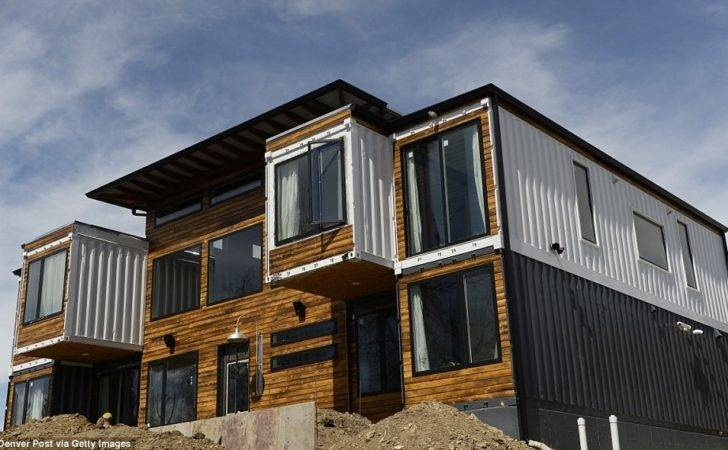 Shipping Containers Into Seven Bedroom Luxury Home Daily Mail