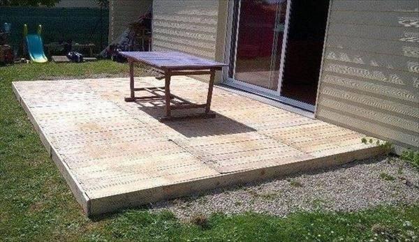 Shipping Pallet Backyard Deck Pallets Designs