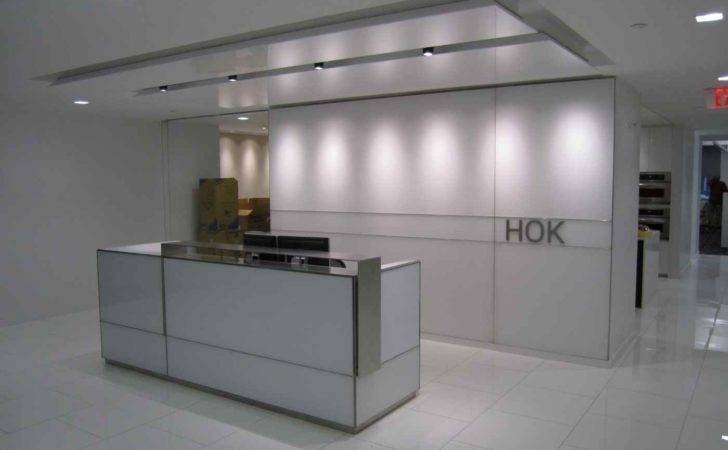 Showing Office Reception Desk Design