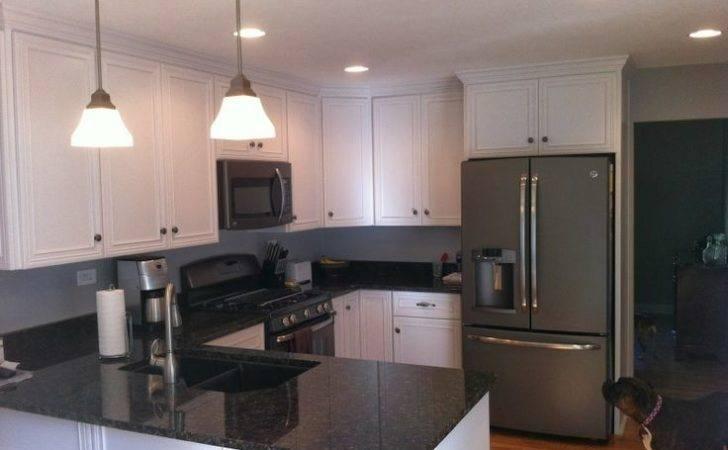 Slate Appliances White Cabinets Dark Countertops Like