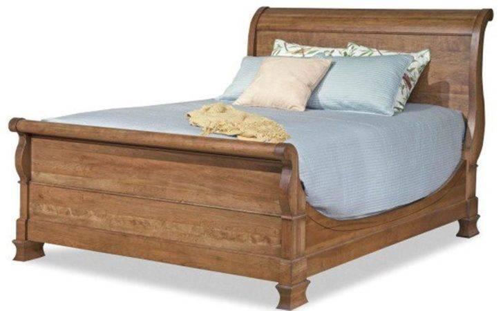 Sleigh Bed King Master Durham Furniture