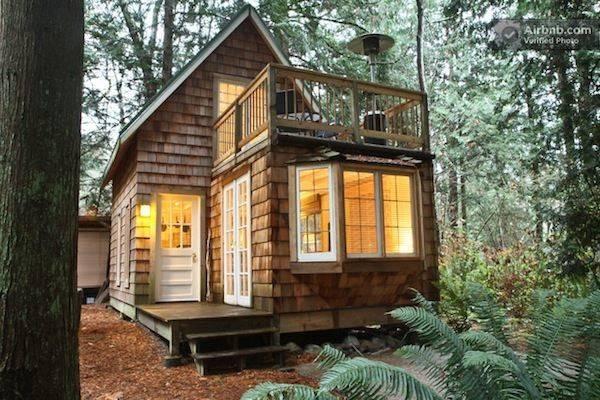 Small Cabin Upstairs Balcony