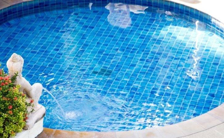 Small Swimming Pool Statue Fountain Deck