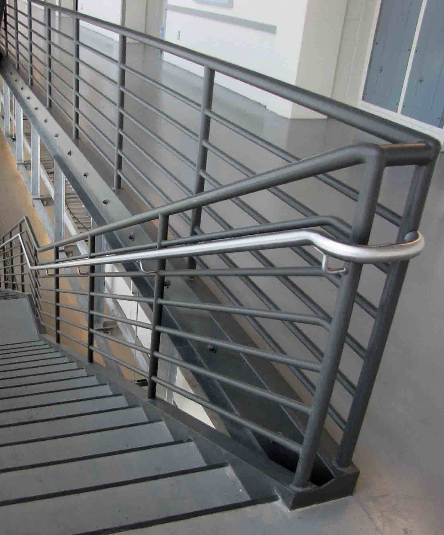 Stainless Steel Hand Rails Seven Line Guard Rail