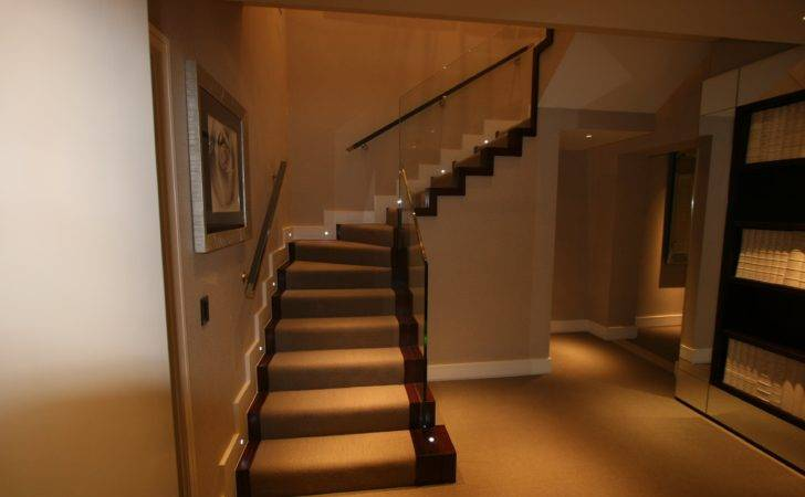 Staircase Witjh Glass Balustrade Ythe Joinery Staircases