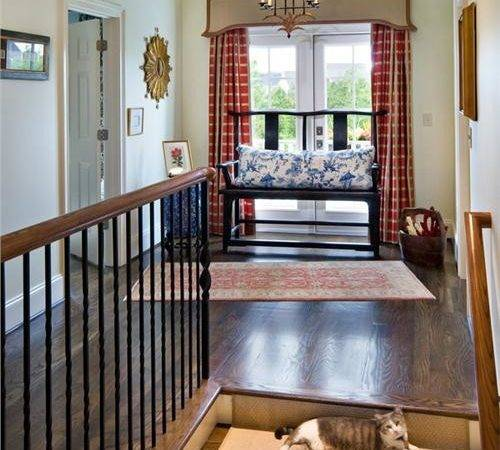Stairs Feels Too Empty Squeeze Style Ideas Decorating