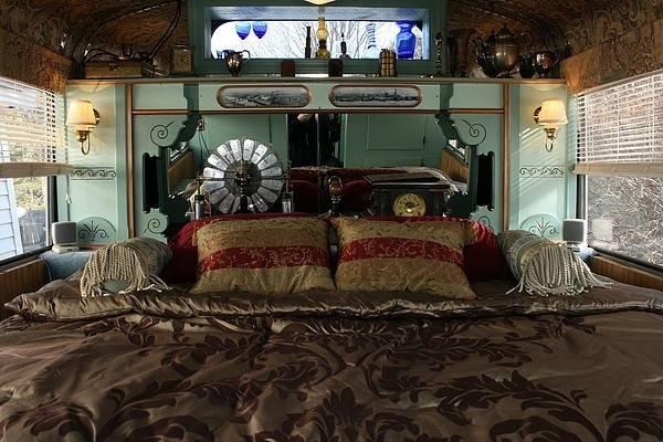 Steampunk Bedroom Cogs Sprockets Caravan Travel Trailer Deco