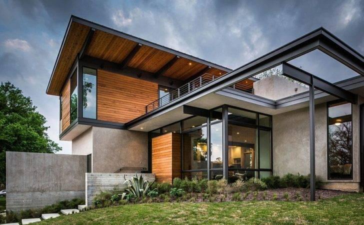 Steel Glass Frame Modern House Extends Living Space