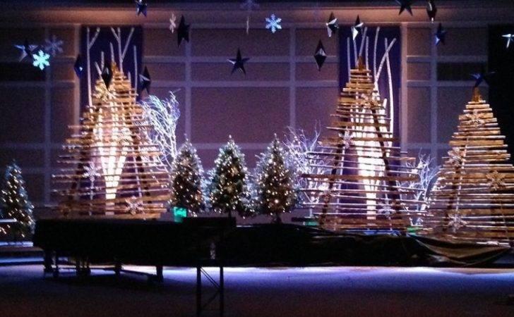 Sticky Christmas Stage Design