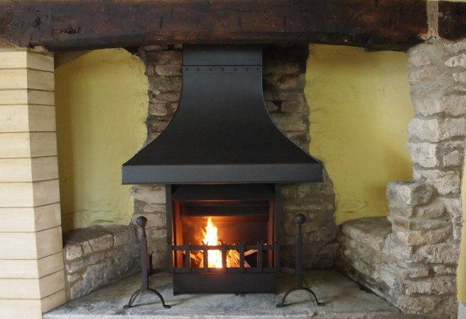 Stone Camelot Open Fires Thermovent Living Room Fireplace