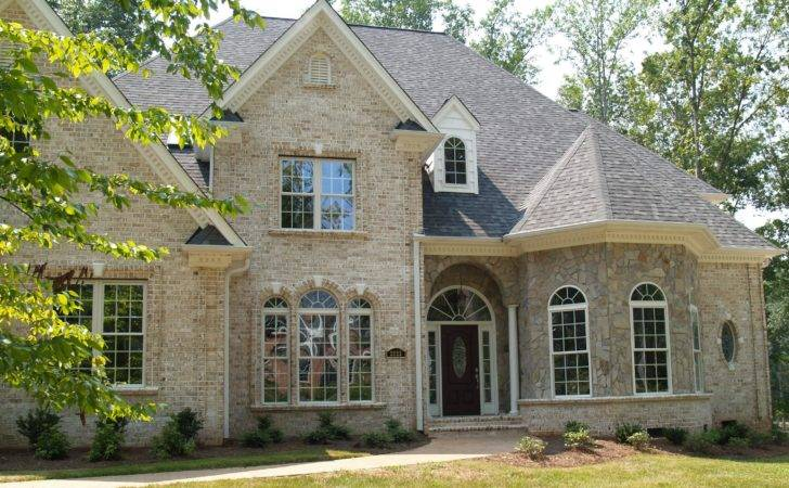 Stone Homes Home Uses Brick